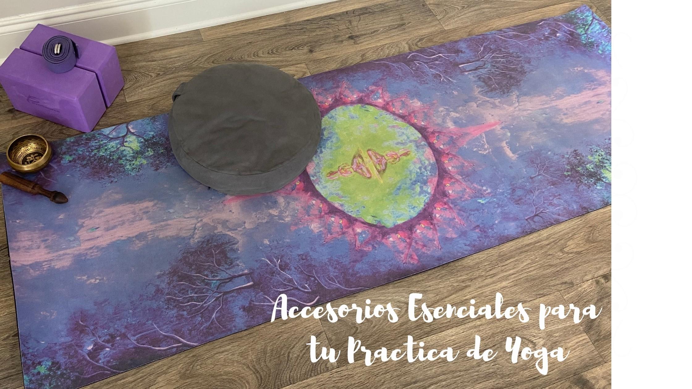 accesorios esenciales para tu pratica de yoga JimenaTobonYoga